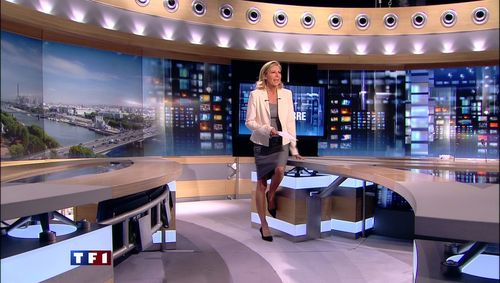 Claire chazal cuisse