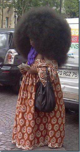 cheveux longs et frisés