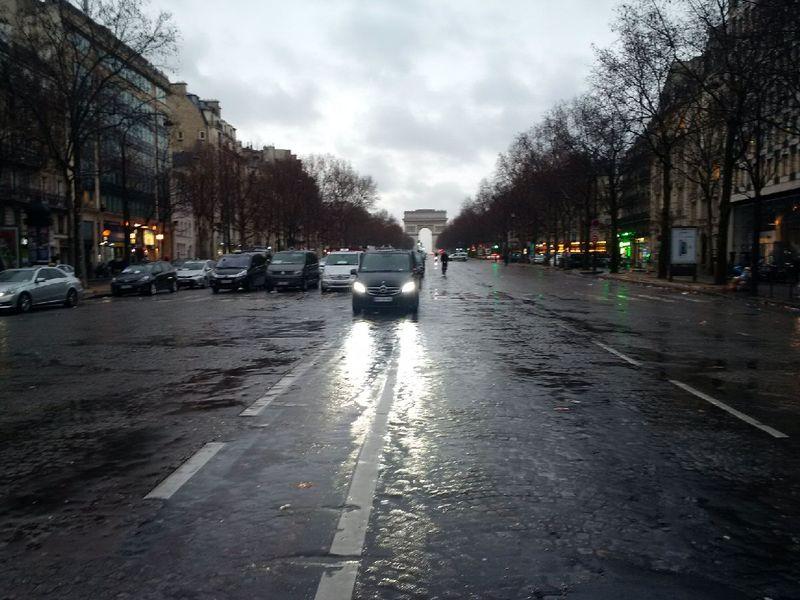 Grève taxis porte maillot avenue grande armée