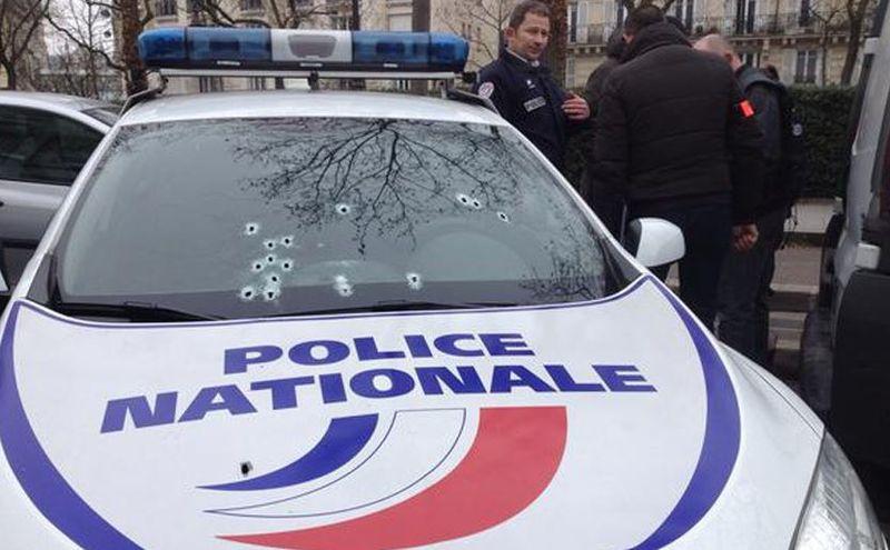 Voiture de police charlie hebdo