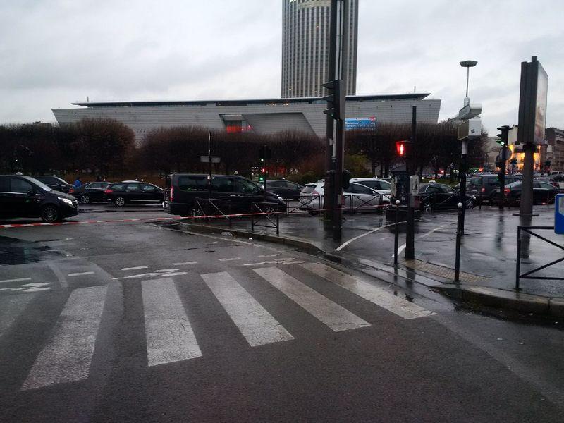 Porte maillot bloquée 27 janvier taxis