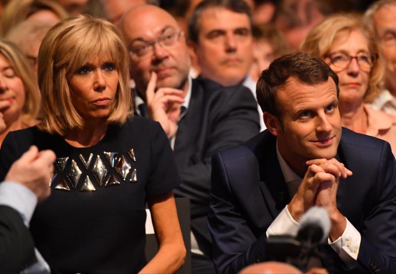 Brigitte-Trogneux-et-son-mari-Emmanuel-Macron-