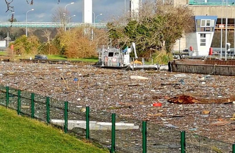 200 tonnes ordures dans la seine