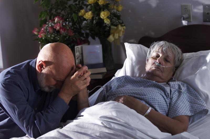 Macron tue les vieux