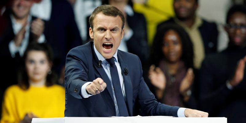 Macron dictateur